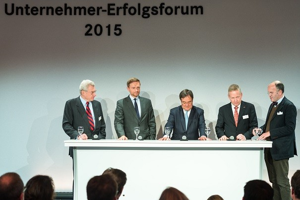 (v.l.n.r.) Dr. Heinrich Weiss, Christian Lindner, Armin Laschet, Lutz Goebel und Klaus Schweinsberg